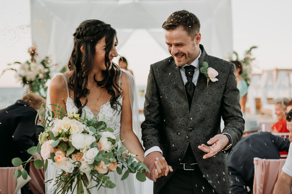Matrimonio Post coronavirus in Puglia le Palme Beach Vanessa Serra wedding photographer